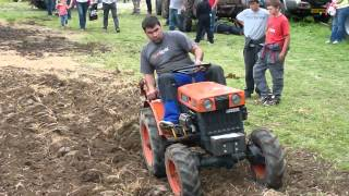 Repeat youtube video kubota b6000 plough plow