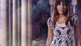 Pakistani Singer Hadiqa Kiani sings Chinese Song