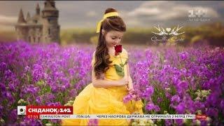 Дівчинка у костюмах відомих принцес вразила інтернет