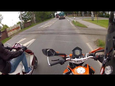 KTM Duke 125 vs tuned Yamaha Aerox (Zwiebacksäge)