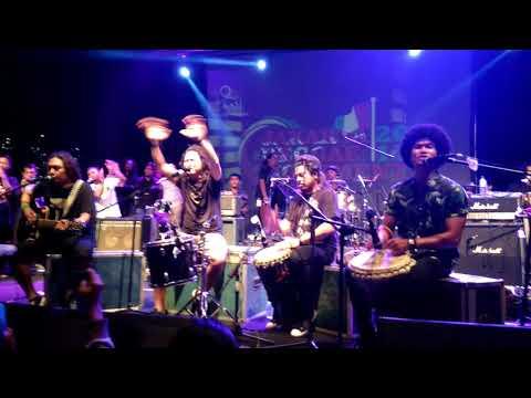 Steven Coconut Treez - Lagu Badai ( Live Jakarta Reggae Movement)