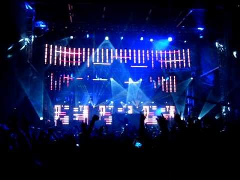 Download David Guetta feat. Kelly Rowland @ Ultra Music Festival 2009 HQ