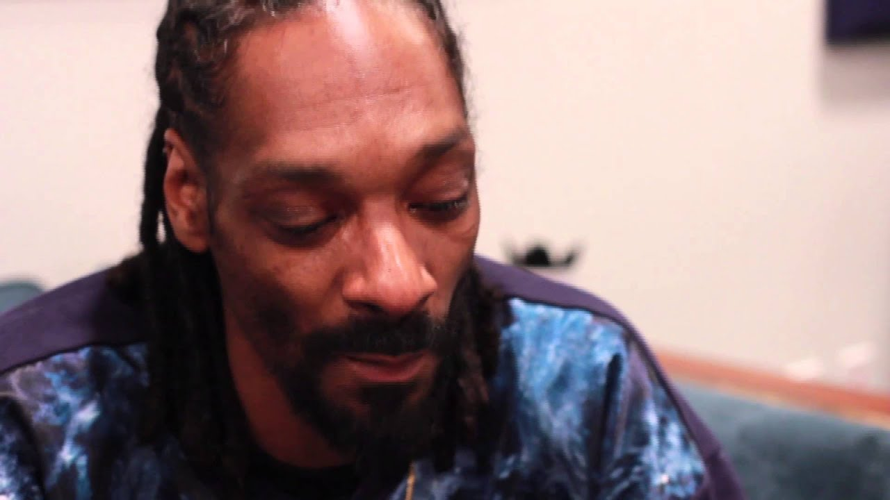 Snoop Reads Reddit Stories for the SYFL