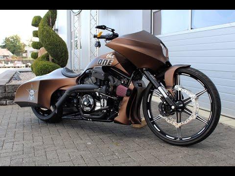 harley davidson custom bikes v rod and baggers youtube. Black Bedroom Furniture Sets. Home Design Ideas