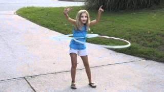20100Lizka Spinning 2 hula hoops Thumbnail