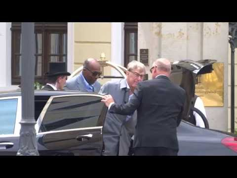 03668 - Arrivals Altman, Roger ; Jordan, Jr., Vernon - Bilderberg meeting - 06/09 2016