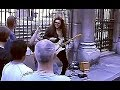 Capture de la vidéo Yngwie J. Malmsteen Playing On The Street