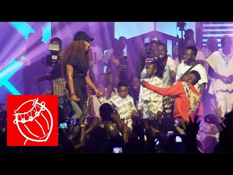 Shatta Wale proposes to Shatta Michy on stage | Ghana Music