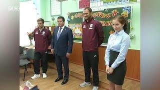 Метшин, Рыжиков и Кузьмин провели футбольный урок