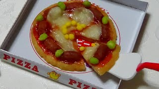 Kracie - happy kitchen 6 - Pizza shaped Candy Kit