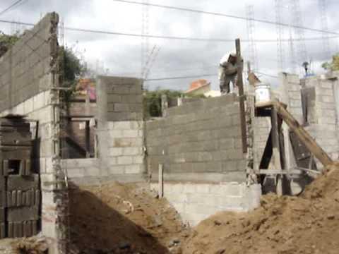 C mo empezar a construir tu casa mejorando el terreno for Como hacer un piso de cemento paso a paso
