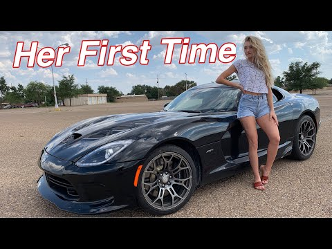 Girl Reacts to Dodge Viper!