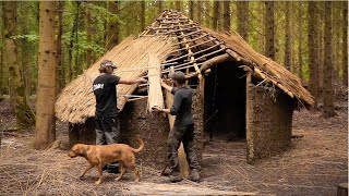Building a Roundhouse - Thatching the Roof   Medieval Bushcraft Build (PART 8)