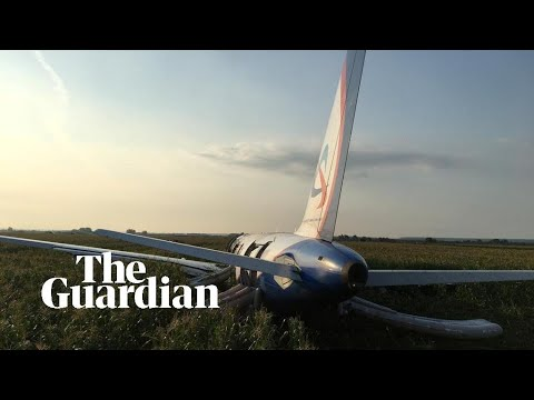 Randi West - BREAKING:  Emergency landing in Russia caught on camera