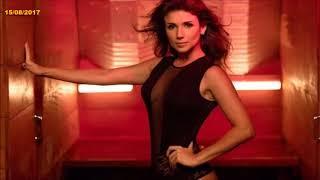 Paula Fernandes posa de lingerie em clipe 15/08/2017