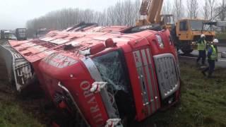 Lemainelibre.fr : Camion de bovins couché sur l'A11 à Fatines
