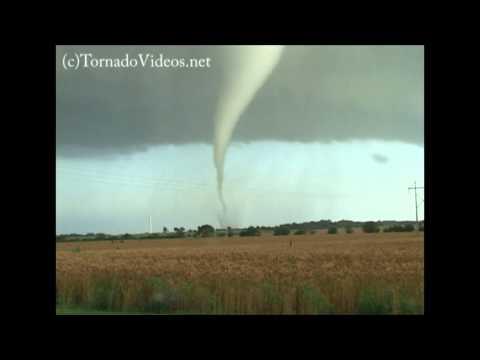Destructive Mulvane, Kansas tornado!