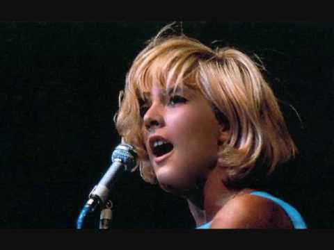 'Qu'est-ce qui Fait Pleurer les Blondes?' by Sylvie Vartan