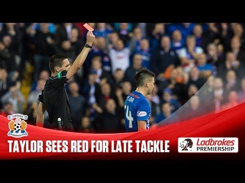 Derecho al rústico: durísima patada en el fútbol escocés