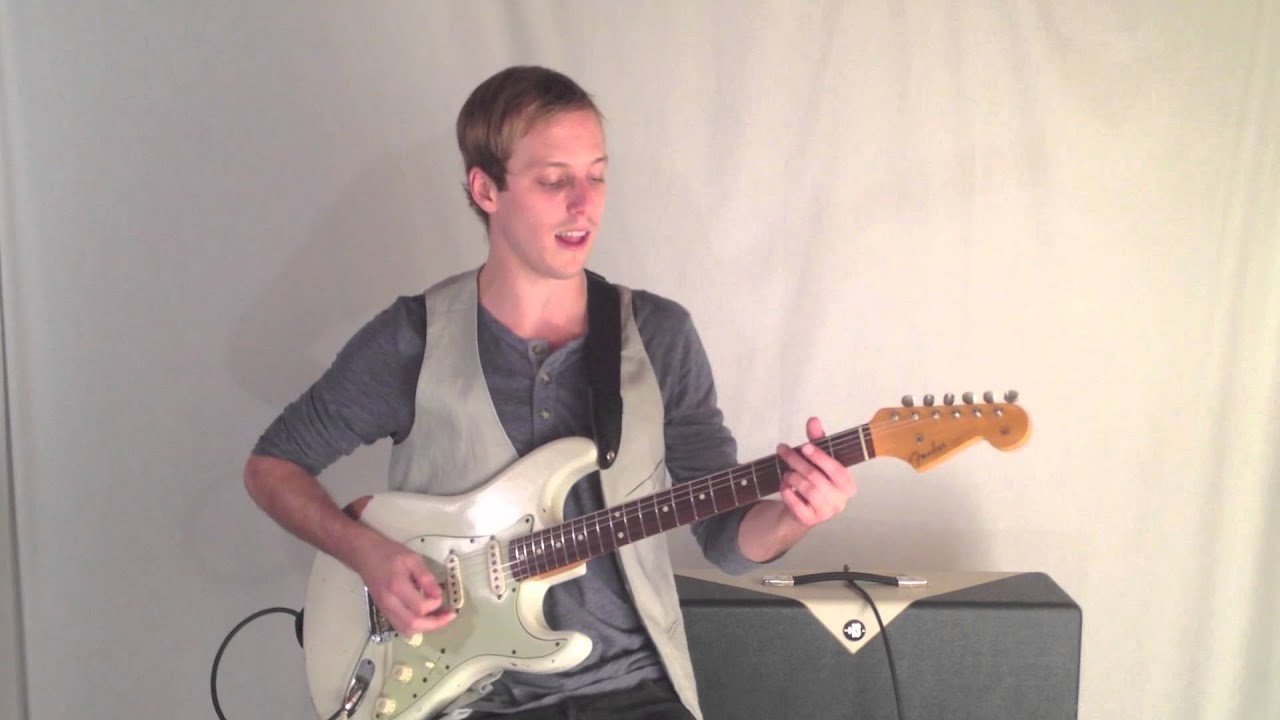 Playing Chords On Acoustic Guitar Vs Electric Guitar Video Guitar