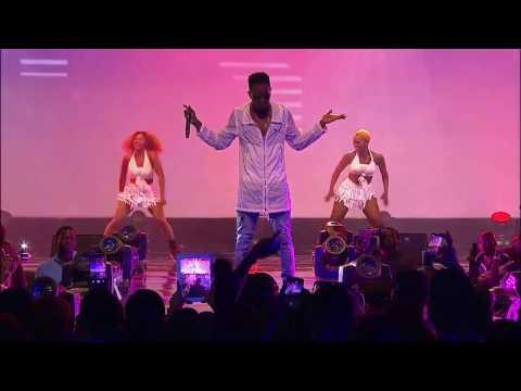 Patoranking performing 'Alubarika' & 'My Woman My Everything' at Soundcity MVP Awards Festival