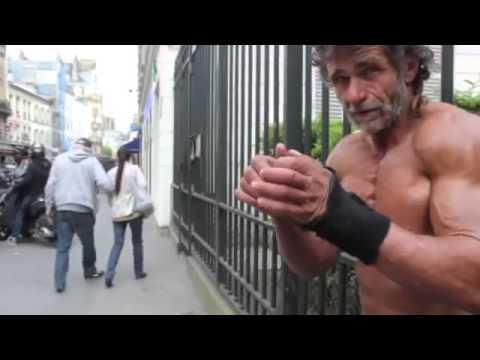 Бездомный бодибилдер из Франции. Респект тебе, Жак!