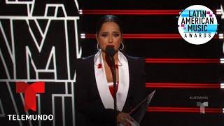 Becky G gana el premio Evolución Extraordinaria en los Latin AMAs 2019 | Latin AMAs 2019