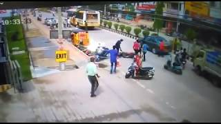 Live Accidents 31 in front of big bazaar, air bypass road
