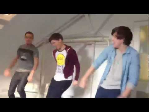 come on come on one direction dance