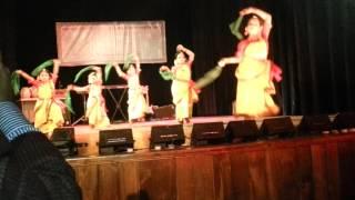 Rumaisa dance-bajere baje dhol baje bangladesher dhol