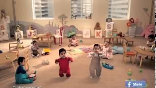 Маленькие смешные дети танцуют!   Смешная реклама!