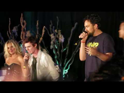 "VanCon 2016 Karaoke: ""Mo Money Mo Problems"""