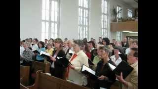 Betende Hände beim Sängerfest 2006 in Rostock