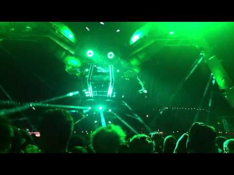 DJ Aphrodite And MC Junior Red : Opening At Boomtown Fair, Arcadia Robot Stage 2014