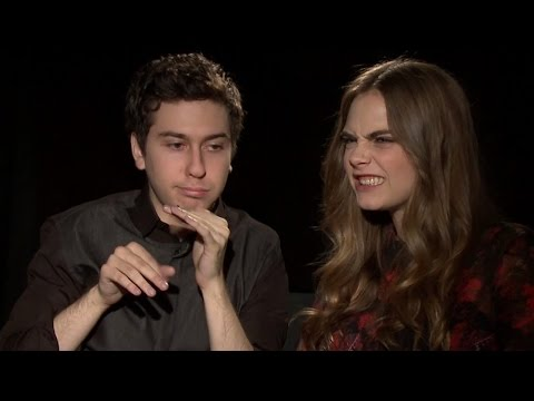 Paper Towns Stars-Nat Wolff & Cara Delevingne Beatbox