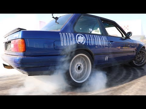 BMW E30 epic burnout! Screaming M42 engine smoking tyres