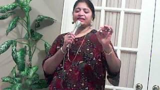 Kaun hai jo sapnon mein   (Jhuk Gaya Asmaan- 1968)