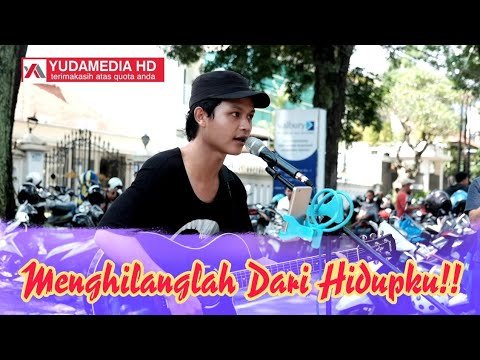 PAMIT - TULUS (STREET MUSICIAN COVER)
