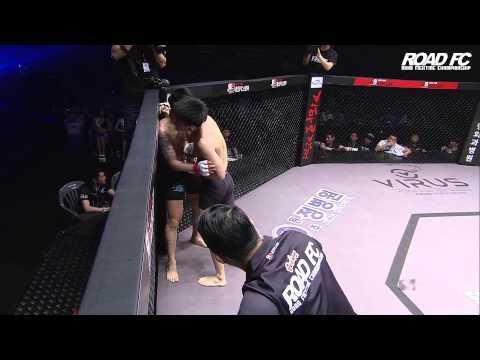 ROAD FC YoungGuns 22] Seo Jin-Soo defeats Lee Yoon-jin by TKO