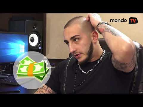 Vuk Mob: Sad se majka i ja smejemo svima njima | Mondo TV
