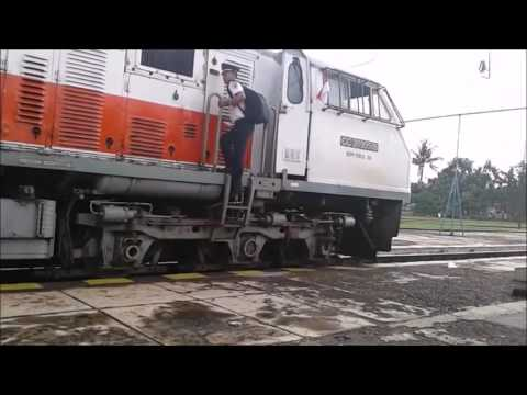 Perjalanan KA 226 Serayu Malam & KA 203 Kutojaya Selatan Tasikmalaya - Kroya