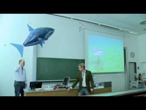 DevFest Vienna 2013 - Flying Sharks (Florian Pirchner)