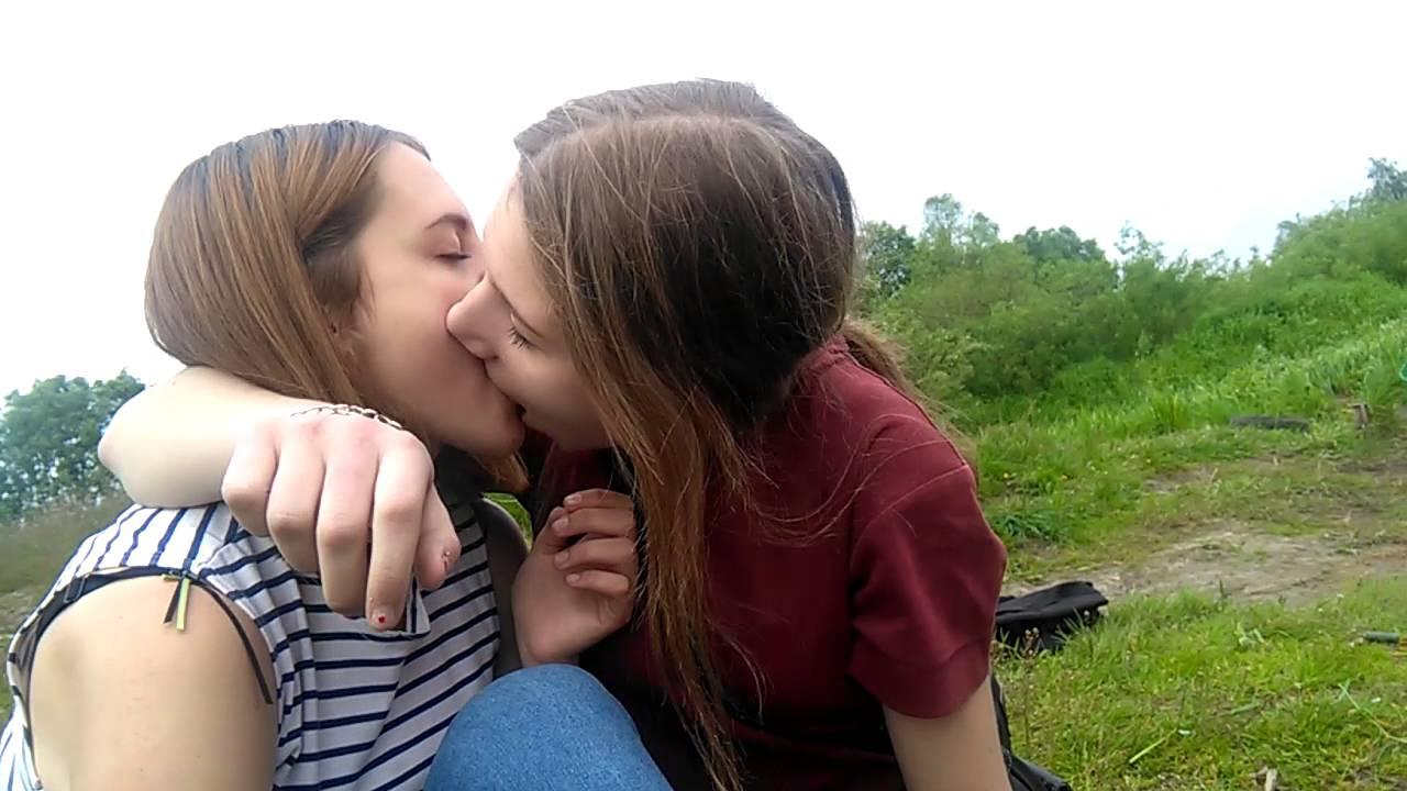 приехали, зашли полные лесбиянки извращенки видео сад… какой-то мальчик