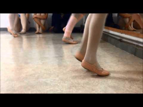 Escola de Ballet da Clínica das cinco Vilas - Alice no País das Maravilhas