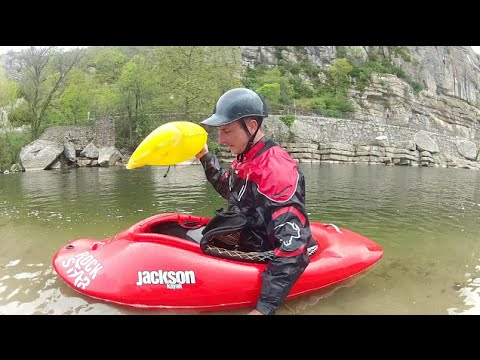 Kayak Freestyle Test Jackson Rockstar  flat-water