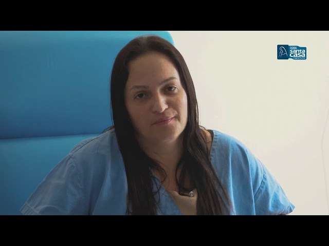 Paciente com coronavírus tem alta após 20 dias internada