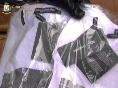 Finanza sequestra 16mila capi di abbigliamento contraffatti a Napoli e in un outlet casertano