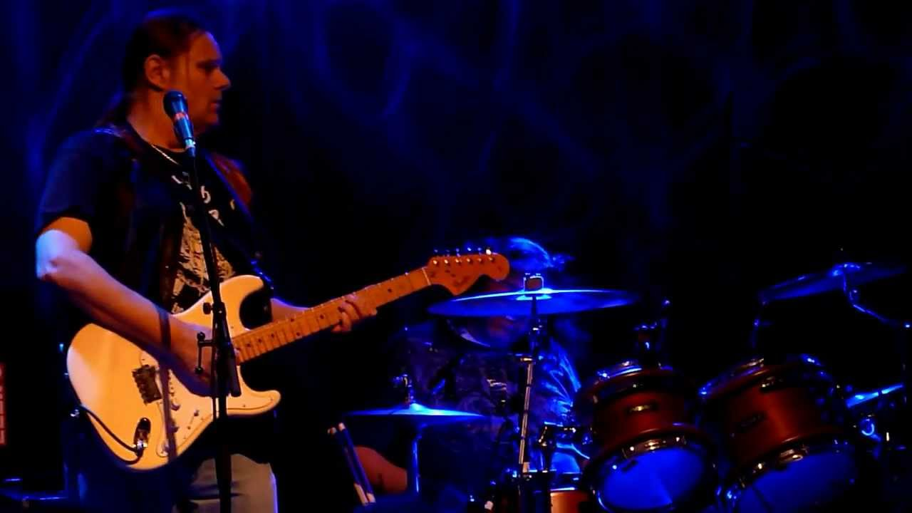 walter-trout-say-goodbye-to-the-blues-in-memory-of-louisiana-red-mezz-2012-rrijsdijk