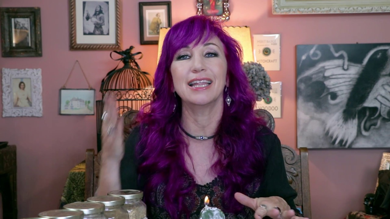 Lucky Four Leaf Clover Candle Spell and Mojo Bag - Hoodoo How To with  Madame Pamita