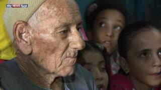 مسيحي يعلم أطفال قريته القرآن في مصر